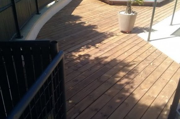Professionnel pour la création et la pose de terrasse en bois sur mesure